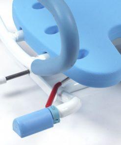 Упоры изготовлены из пластика с резиновой противоскользящей поверхностью